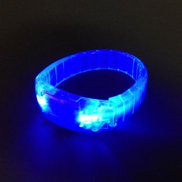 Blue light up bracelet - 3 AG3 batteries inc. & repl.